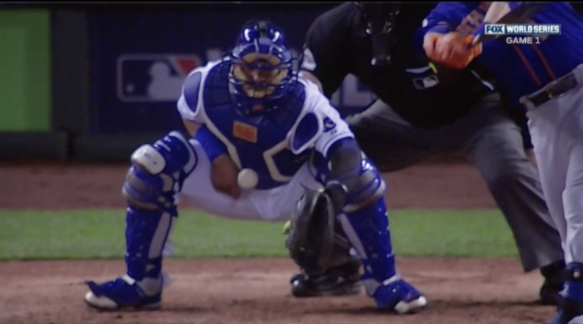 Salvador Perez Takes Foul Ball to his Throwing Hand in World Series
